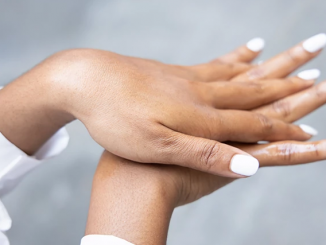 Here are 5 easy ways to soften the skin on your hands.