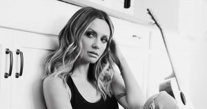 Mp3 Carly Pearce & Ashley McBryde Never Wanted To Be That Girl Download